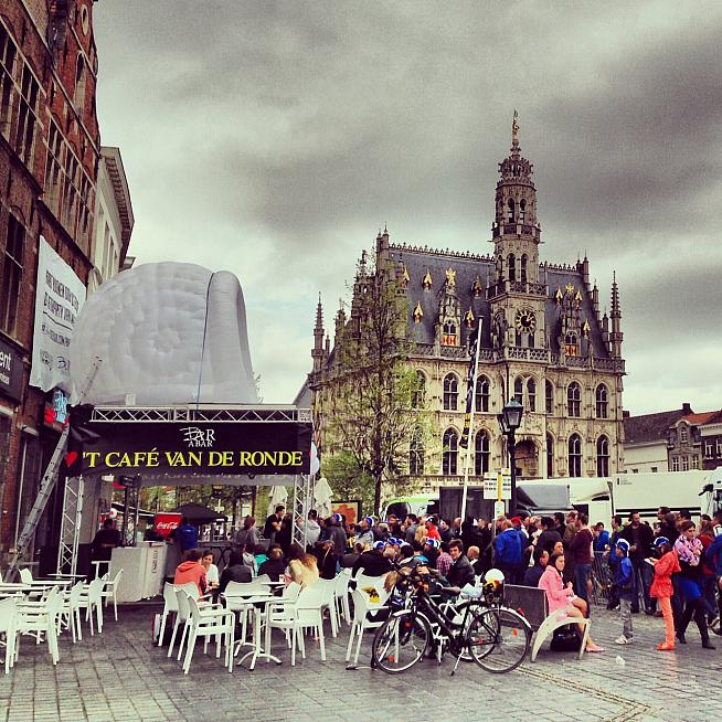 Oudenaarde on the Sunday of the men's race.
