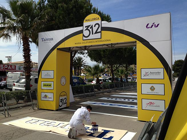 Final preparations in Playa de Muro.