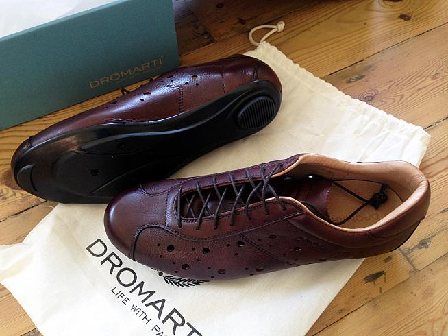 The Dromarti Race is a lace-up cycling shoe with classic looks and excellent comfort.