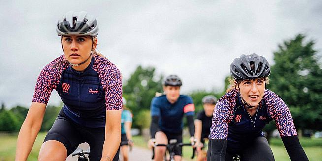 Rapha returns to L Étape du Tour + new Women s 100 kit  daedb380b