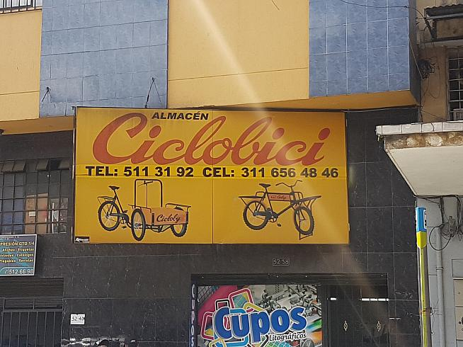 Round the corner from Ramon Hoyos...vintage cycling style.