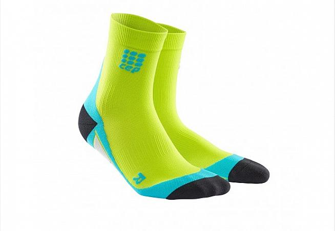 The short sock from CEP offers targeted metatarsal support for runners and cyclists.