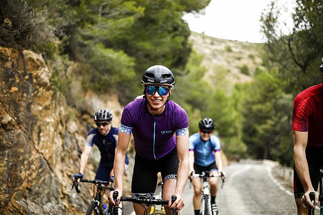 Le Col introduce new lightweight fabrics and improved design features for cycling in hot conditions.