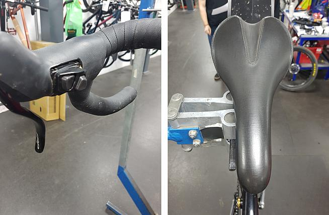 A closer look at the XT Di2 shifter. The saddle is based on the popular Charge Spoon.