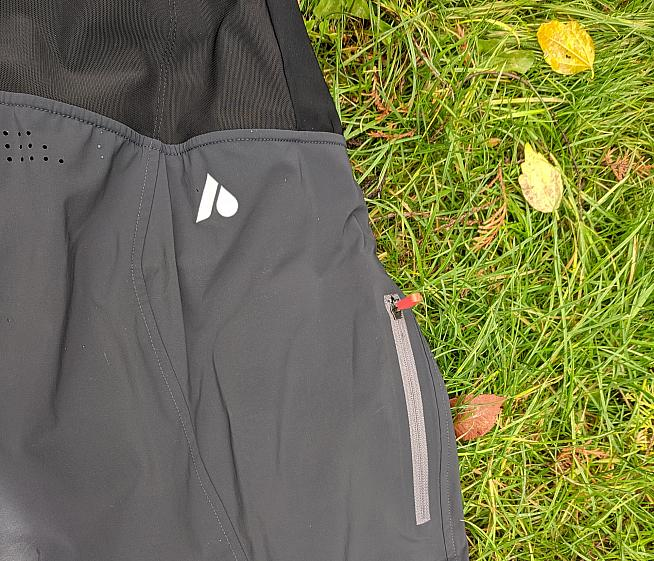 A zipped pocket on the leg keeps phone or keys etc safe while riding.
