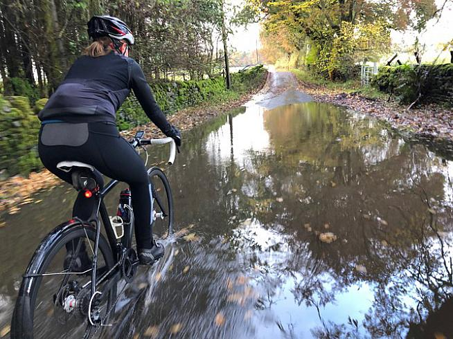 Winter rides call for weatherproof cycling kit - do Stolen Goat's Orkaan tights deliver?