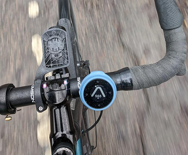 The Beeline Velo is a bike computer that focuses on easy to use navigation.