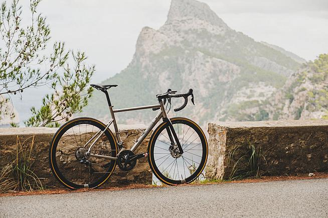 The 2020 update to Ribble's CGR Ti bike.