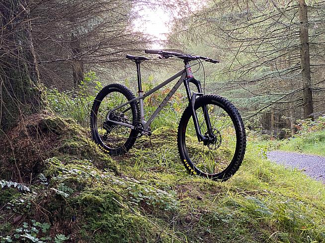 The HT 725 is a modern steel hardtail from Ribble.