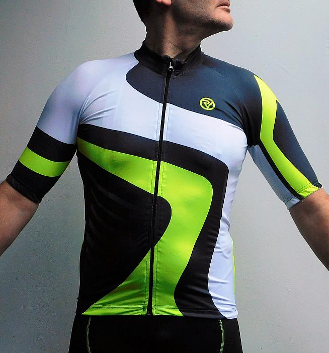 A bold and bright pattern helps keep you seen in the Proviz Endurance jersey. Photo: Rosie Beyfus