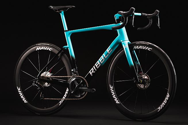 The team will race on the Ribble Endurance SL R Disc equipped with Shimano Di2 groupset and Mavic wheels.