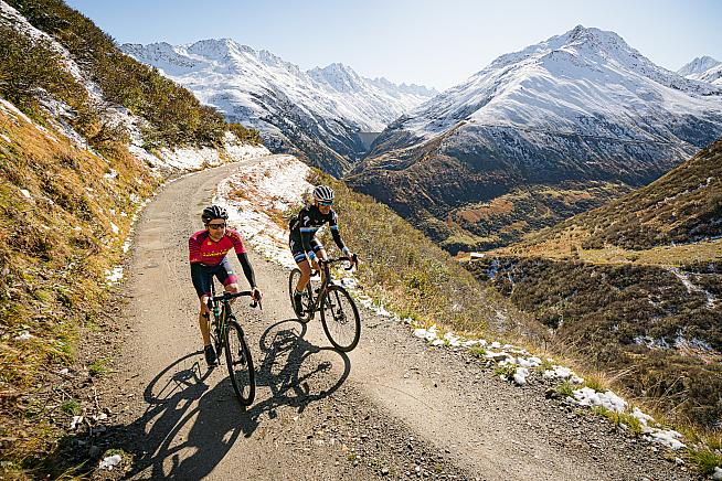 Ride off piste in the spectacular Swiss Alps on the Suisse Gravel Explorer.