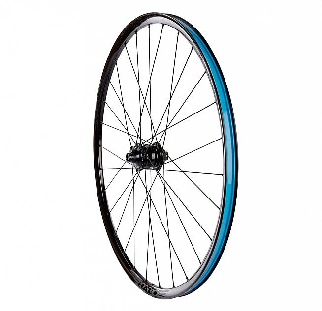 The Vapour GXC wheelset is available with or without a dynamo hub in 700c and 650b options.
