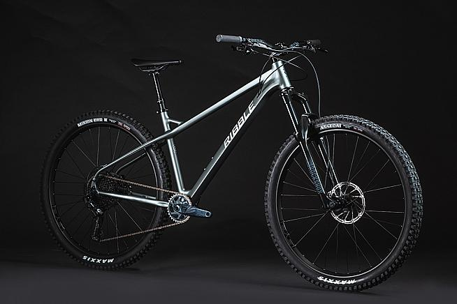 The new Ribble HT Trail AL featues a lightweight alloy frame and 29' wheels.